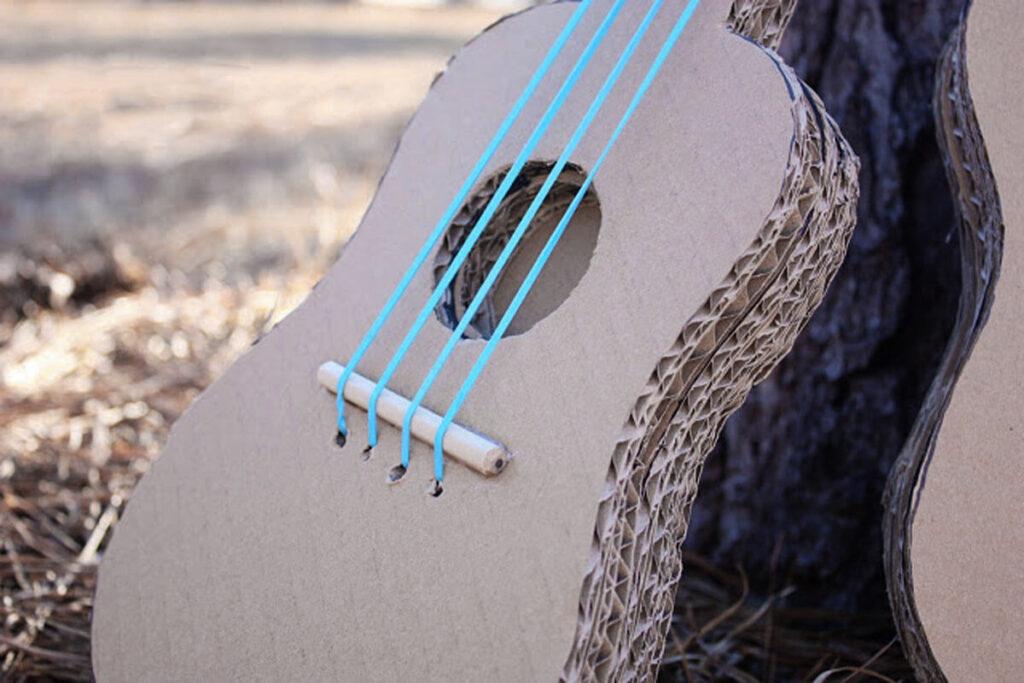 guitarra-de-cartón