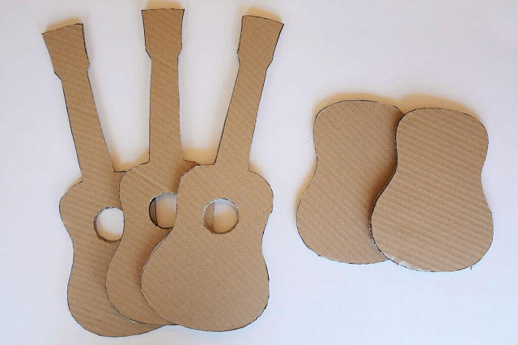 molde-de-guitarra-de-carton-nino