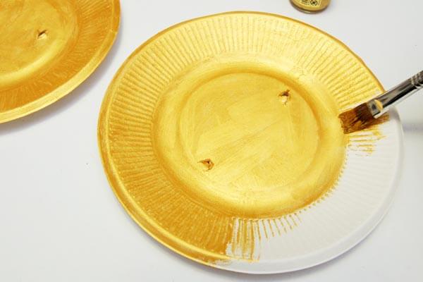 plato pintado reciclado